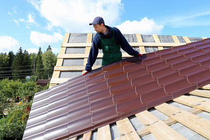 installing metal roofing panels